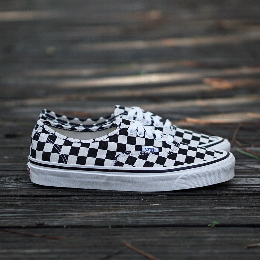 vans authentic checkerboard 44 dx
