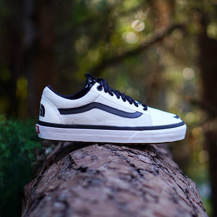 "The North Face X Vans Old Skool MTE DX ""White"""