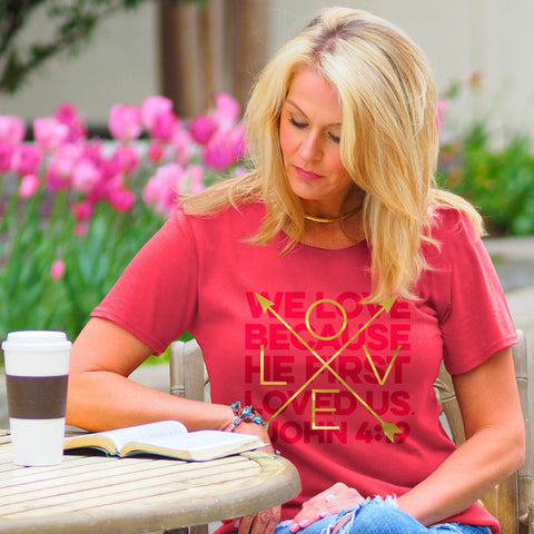 We Love Women's T-Shirt