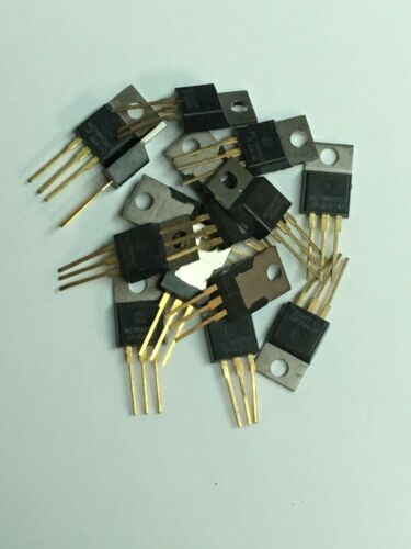 Lot of 20 Motorola MC78M08CT Gold Voltage Regulator