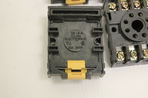 (6) Young Electronics 8 Pin Relay Socket DS-8-A