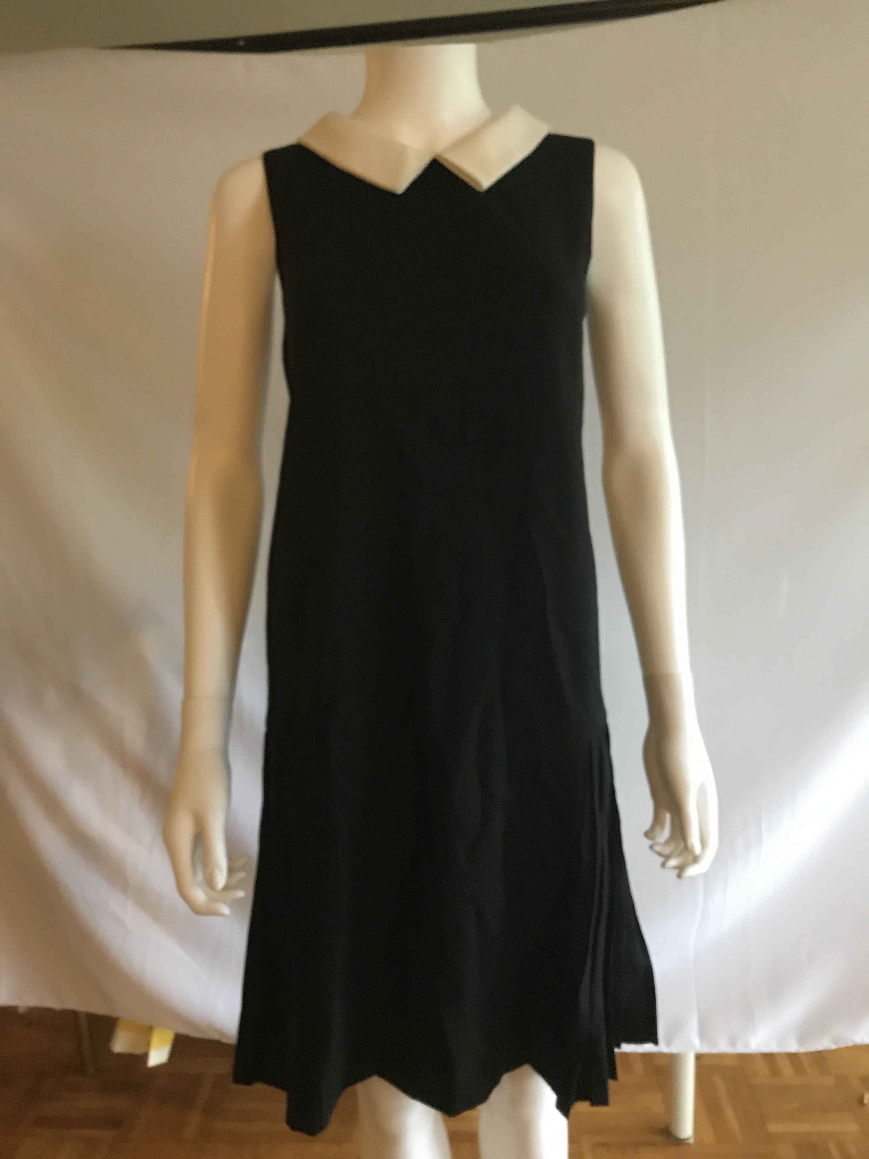 White Collar Black Sleeveless Dresses - BAD HABIT