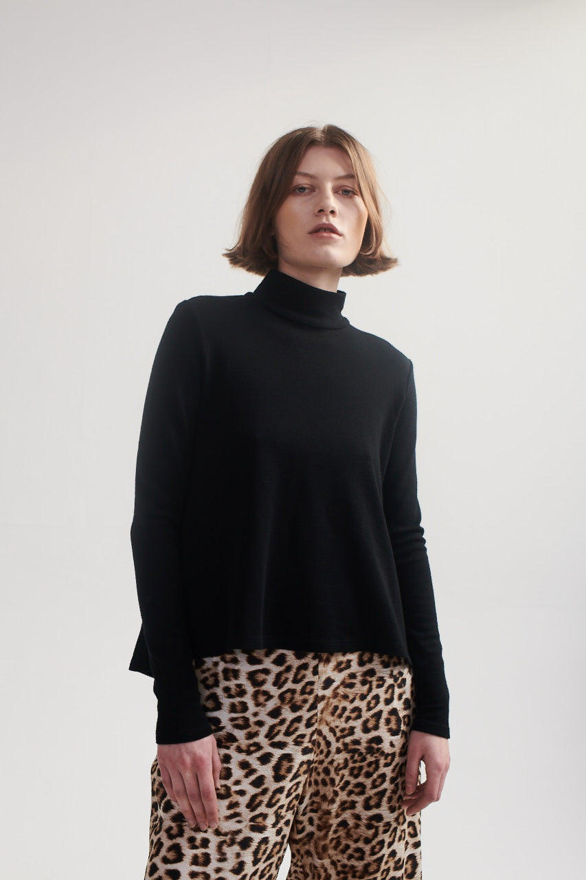 Turtle Neck Sweater in Black