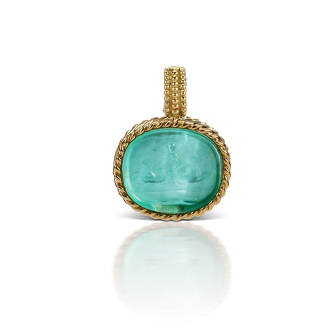 Light Blue Pendant in 18K Yellow Gold