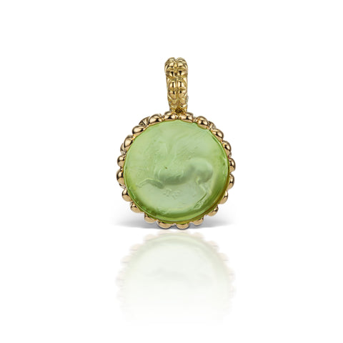 Pastel Green Pendant in 18K Yellow Gold