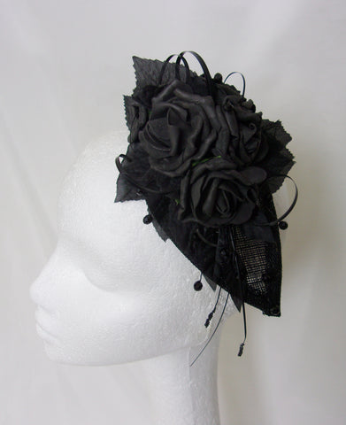 Black Retro Rose Spray Teardrop Gothic Fascinator Headpiece Mini Hat - Wedding #gothic #blackfascinator #blackflowercrown #blackroses #blackrose #gothicbride