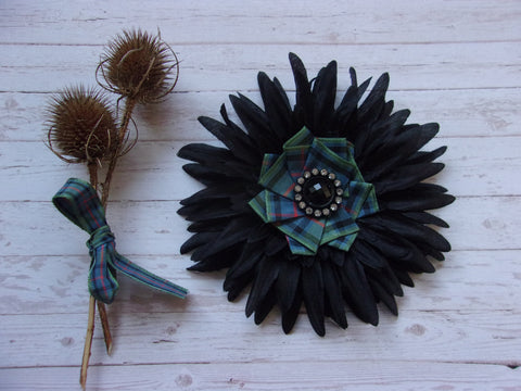 Flower of Scotland Tartan Black Daisy Flower Brooch Corsage Buttonhole Wedding