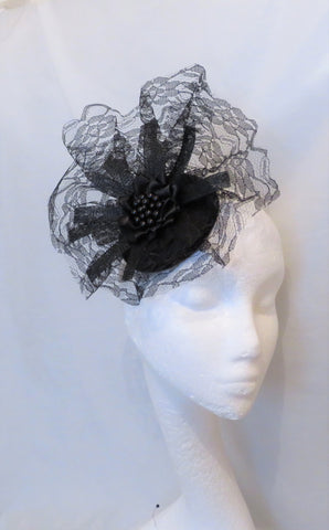 Black Dramatic Lace Veil Sinamay Gothic Halloween Vintage Victorian Style Percher Fascinator