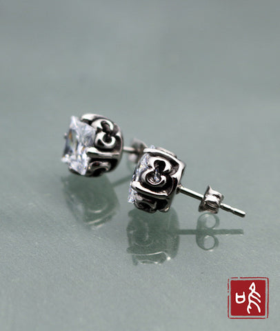 Fashion Crystal Zircon Jewelry Hollow Pattern Stud