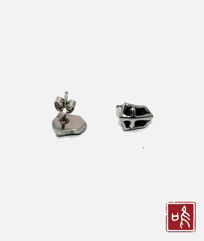 Hot-selling Cross Shield Ear Stud with No Allergy