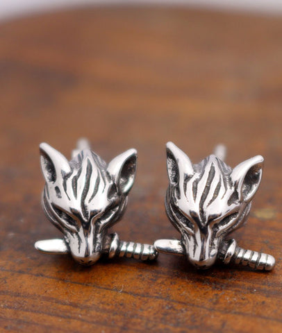 Cool Wolf Ear Studs Bitting A Knife for Men and Women