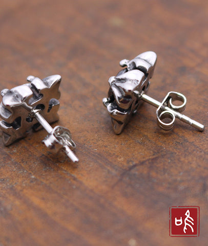 Square Chrome Hearts Cubic Zircon Ear Stud