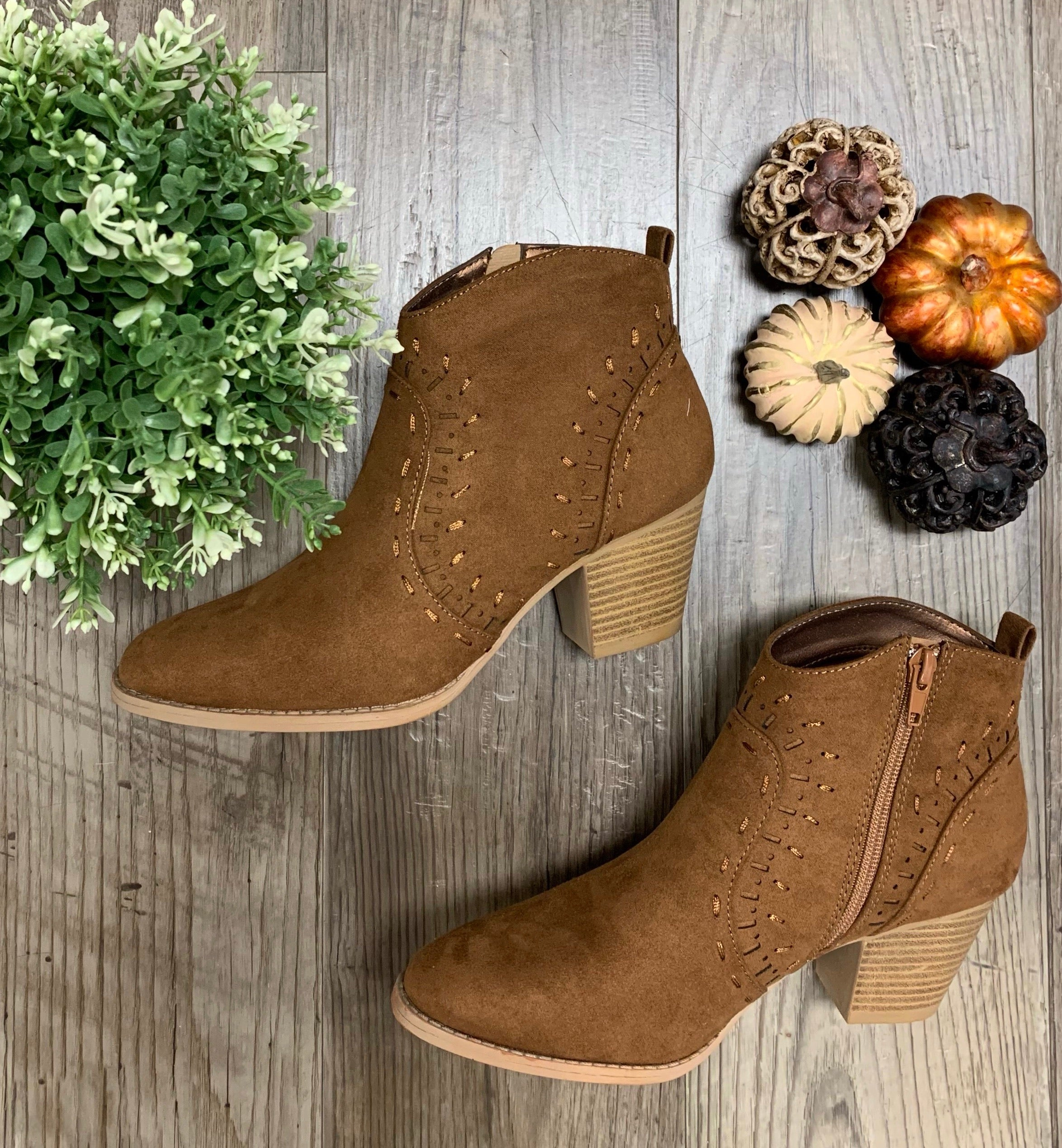 Stitch Detailed Booties - Maple