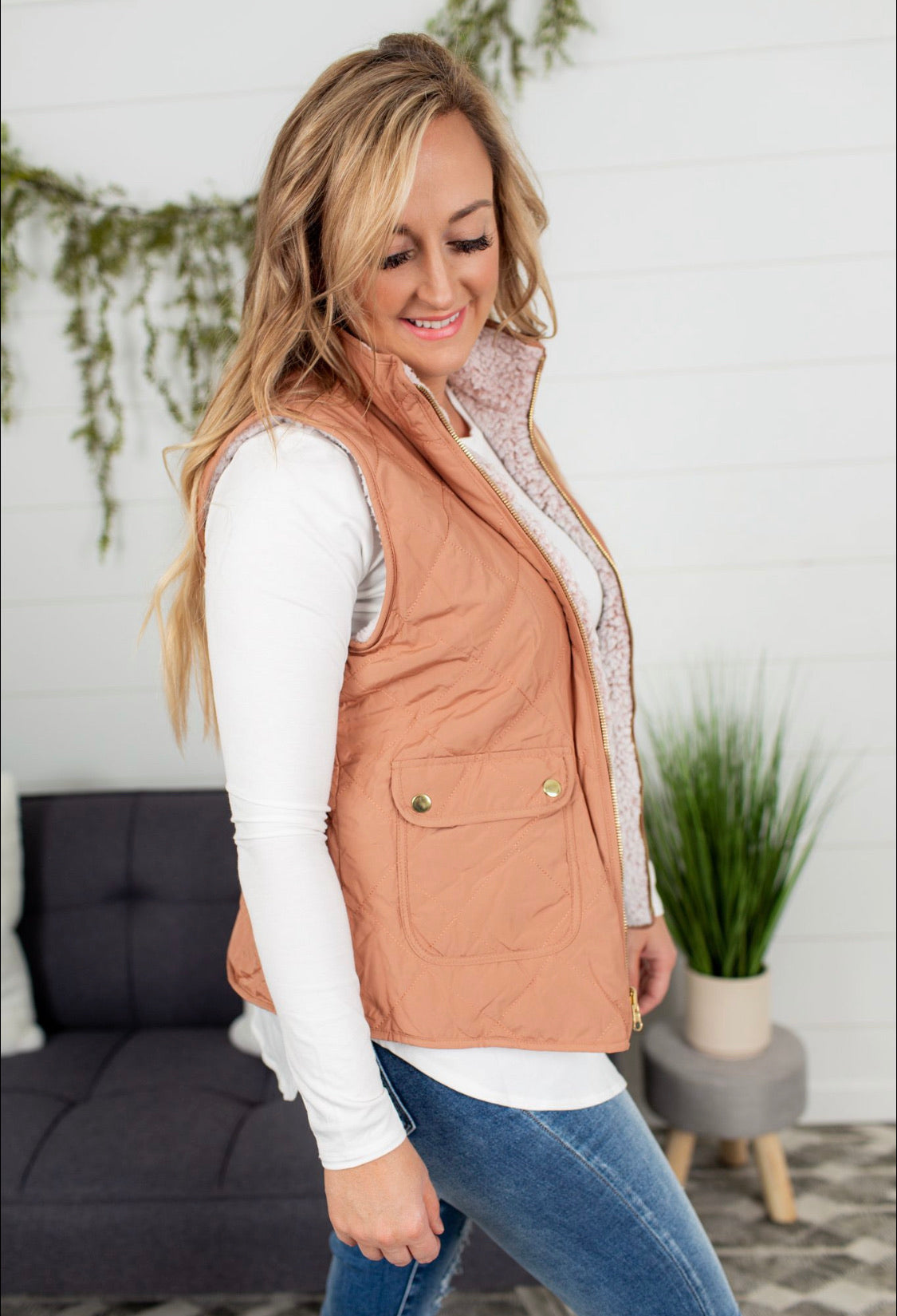 Reversible Diamond Pattern Puffer Vest - Clay