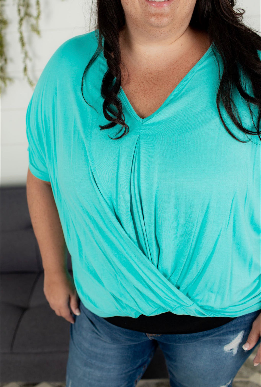 Mint V-Neck - Plus