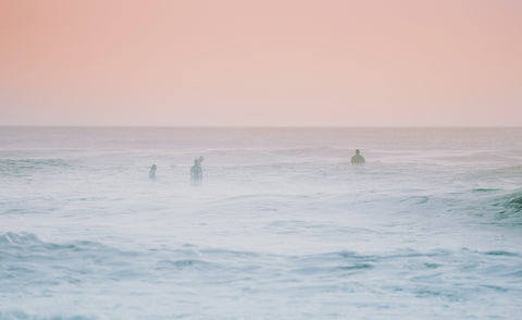 SETT | Surfers at Dusk