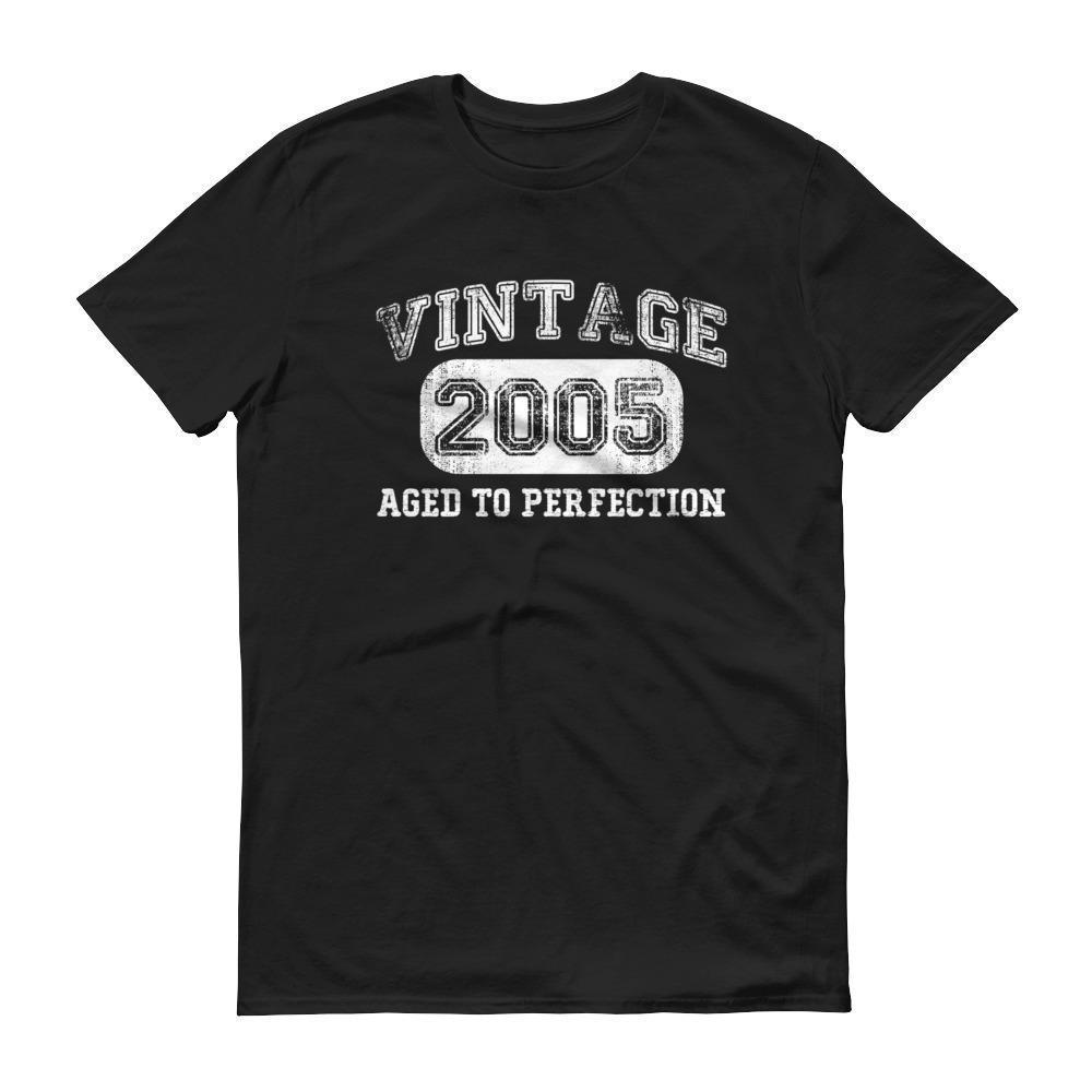 Born in 2005 Tshirt 2005 birthday gift Color: BlackSize: S