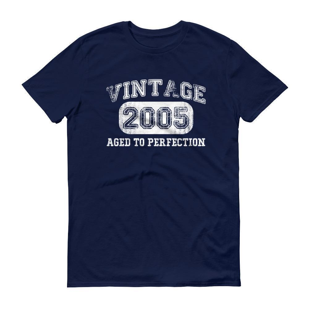 Born in 2005 Tshirt 2005 birthday gift Color: NavySize: S