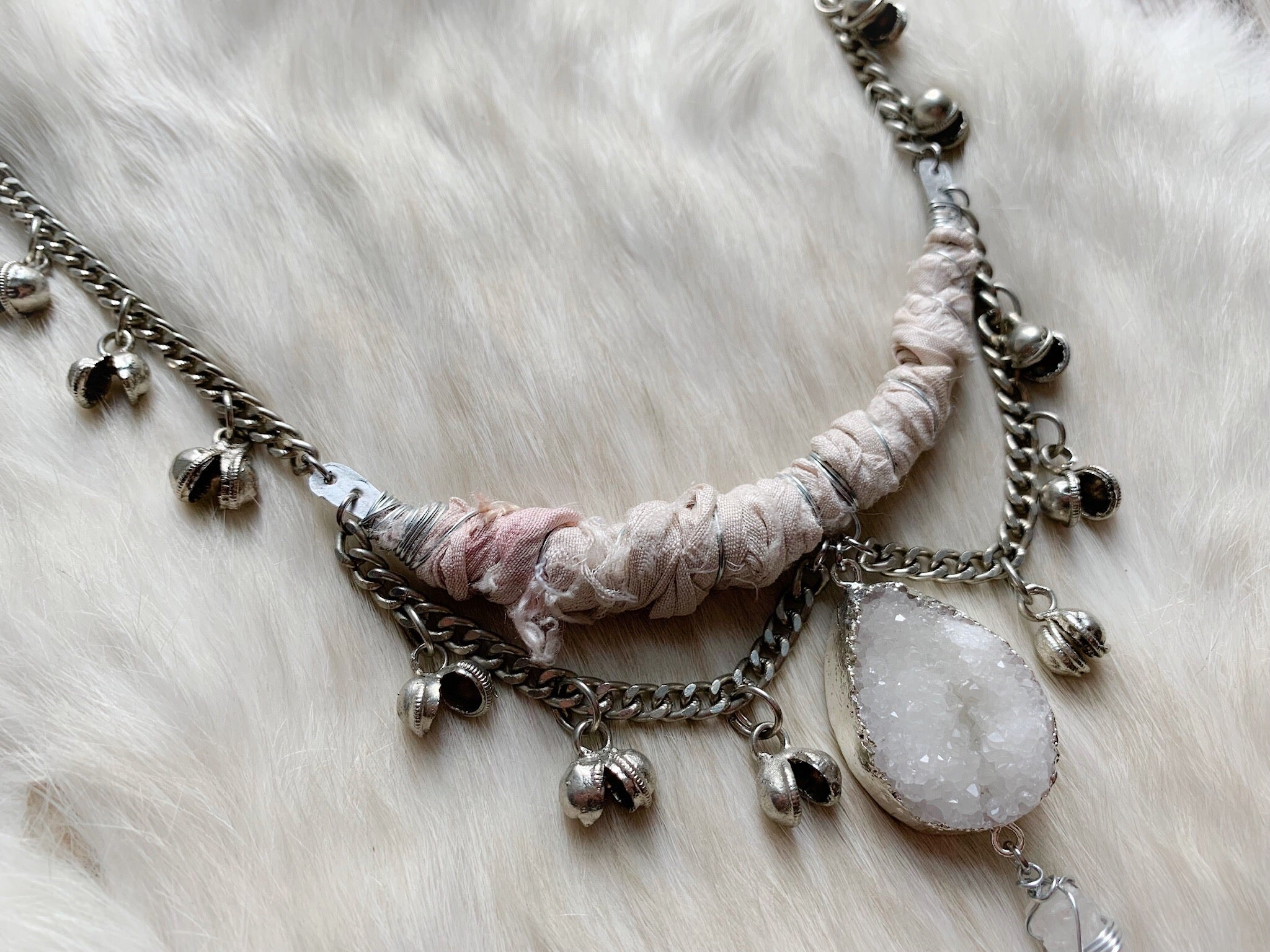 Silk and bell chain necklace in cream