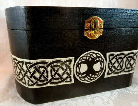 Lg Celtic Wolf Box Side
