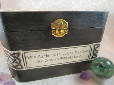 Celtic Claddagh Front Box