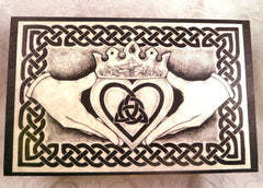 Celtic Claddagh Box Top