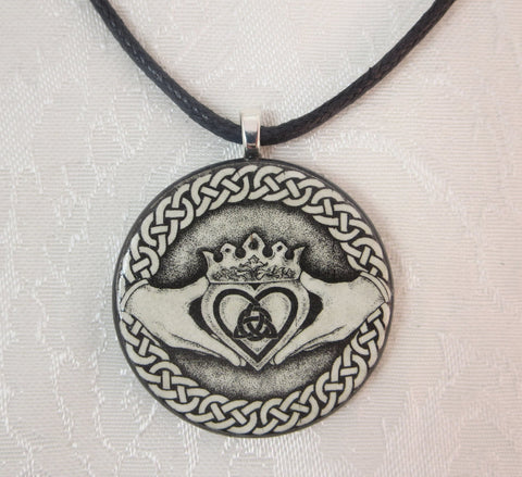 Celtic Claddagh Pendant Closeup