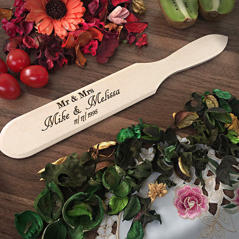 Mr & Mrs - Personalized Spatula - Small Engraved Wooden Addition
