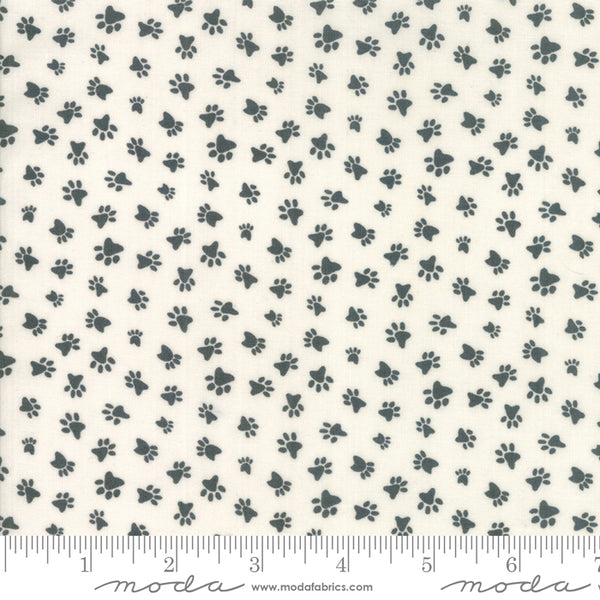 Howl and Hound - Paw Prints in Bone (1/4 metre)