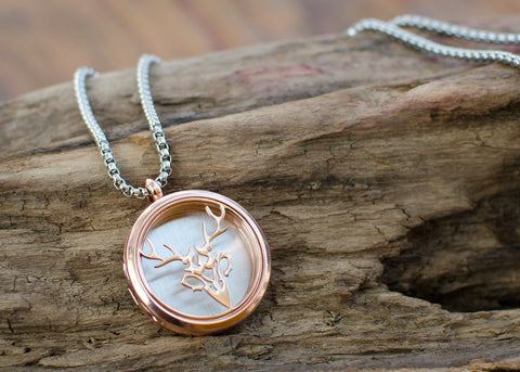 Hippogryph Stag (Rose) Necklace Diffuser