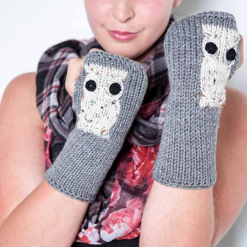 Gray Knit Fingerless Gloves by Nothingbutstring
