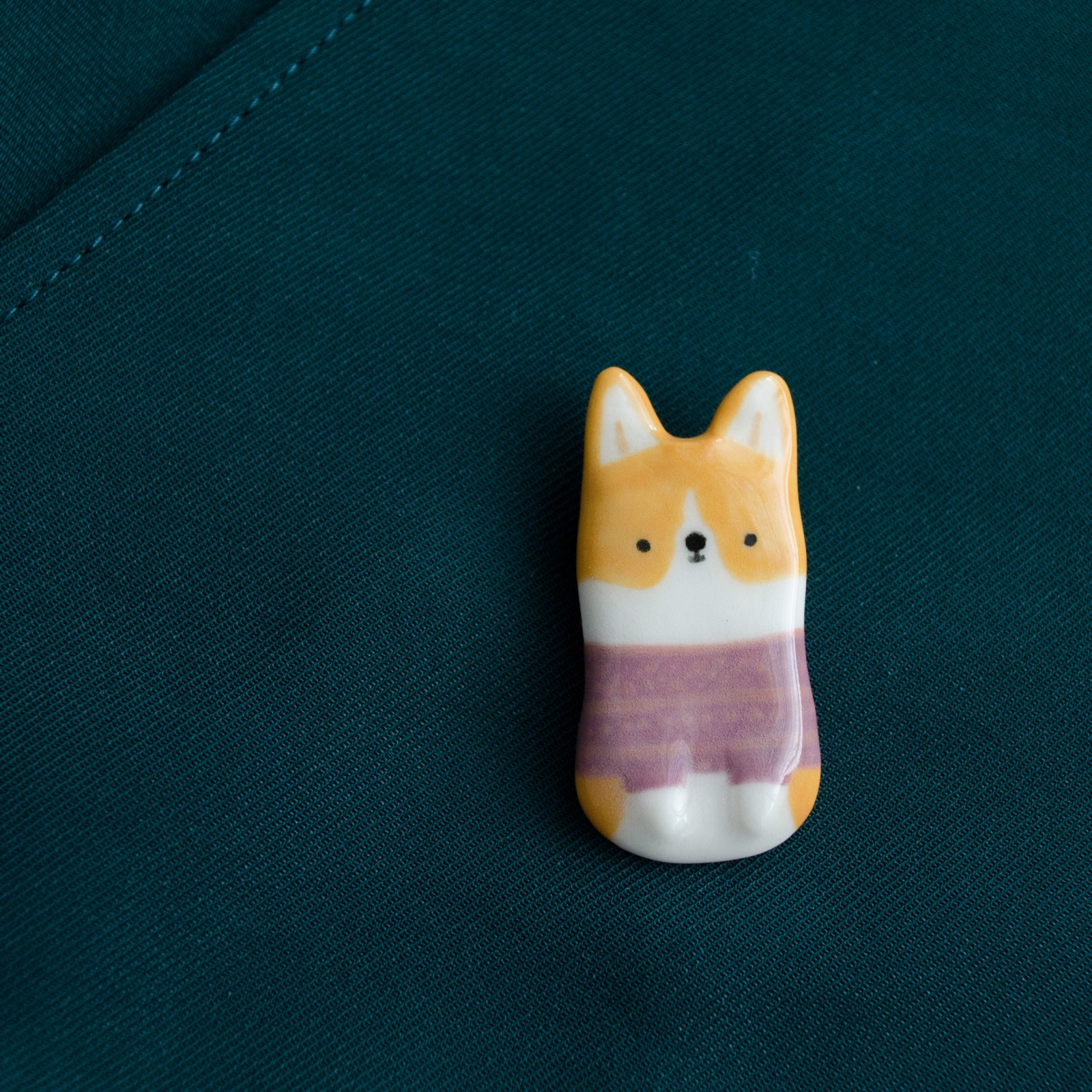 Grape Sweater Corgi Brooch