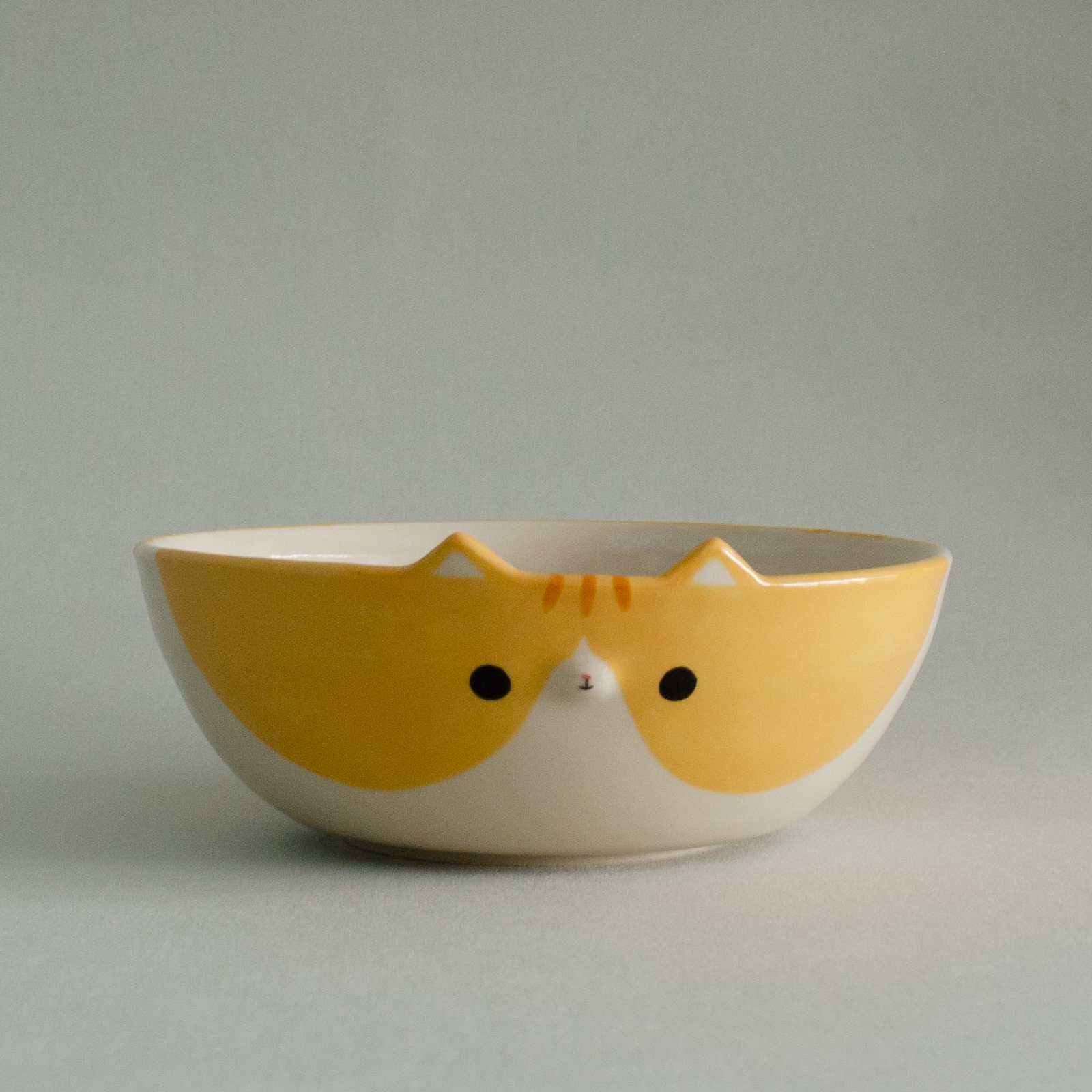 Apricot Kitty Bowl