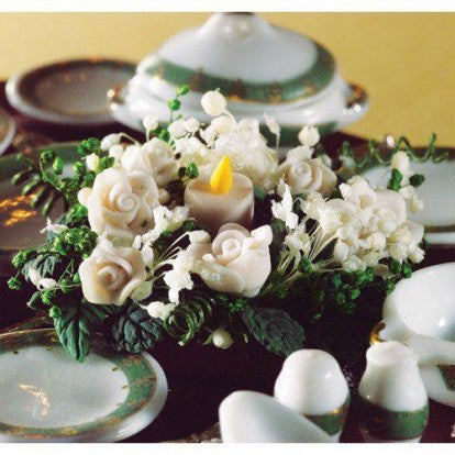 White & Green Table Decoration