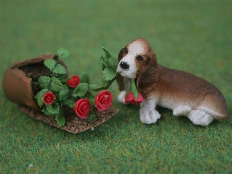 Dolls House Miniature Basset Hound With Broken Pot (2 Pc), Garden - The Dolls House Store