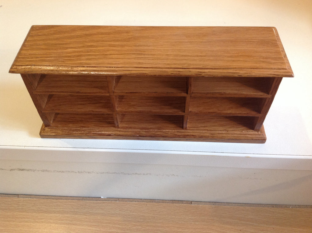 Oak Counter With Shelves