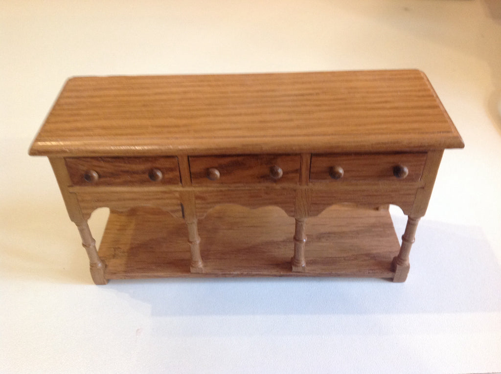 Oak Sideboard Wit 3 Draws