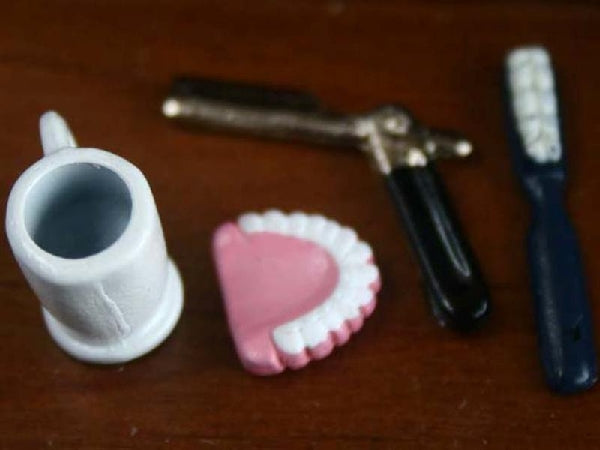 Dolls House Miniature False Teeth And Razor Set, Bathroom - The Dolls House Store