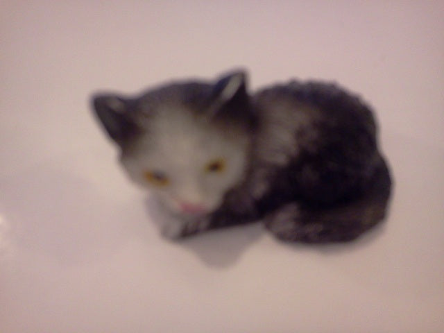 Dolls House Miniature Single Kitten Black and White Laying Down, Pets and Animals - The Dolls House Store