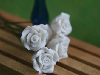 Dolls House Miniature Set Of 6 Single Roses White, Flowers - The Dolls House Store