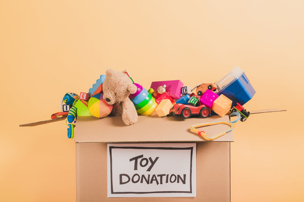 URBAN OREGANICS MINIMALISM WITH KIDS DONATE TOYS