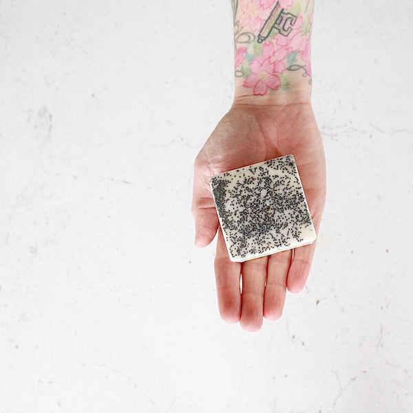 CLEANSING BAR: LEMON + POPPY SEED