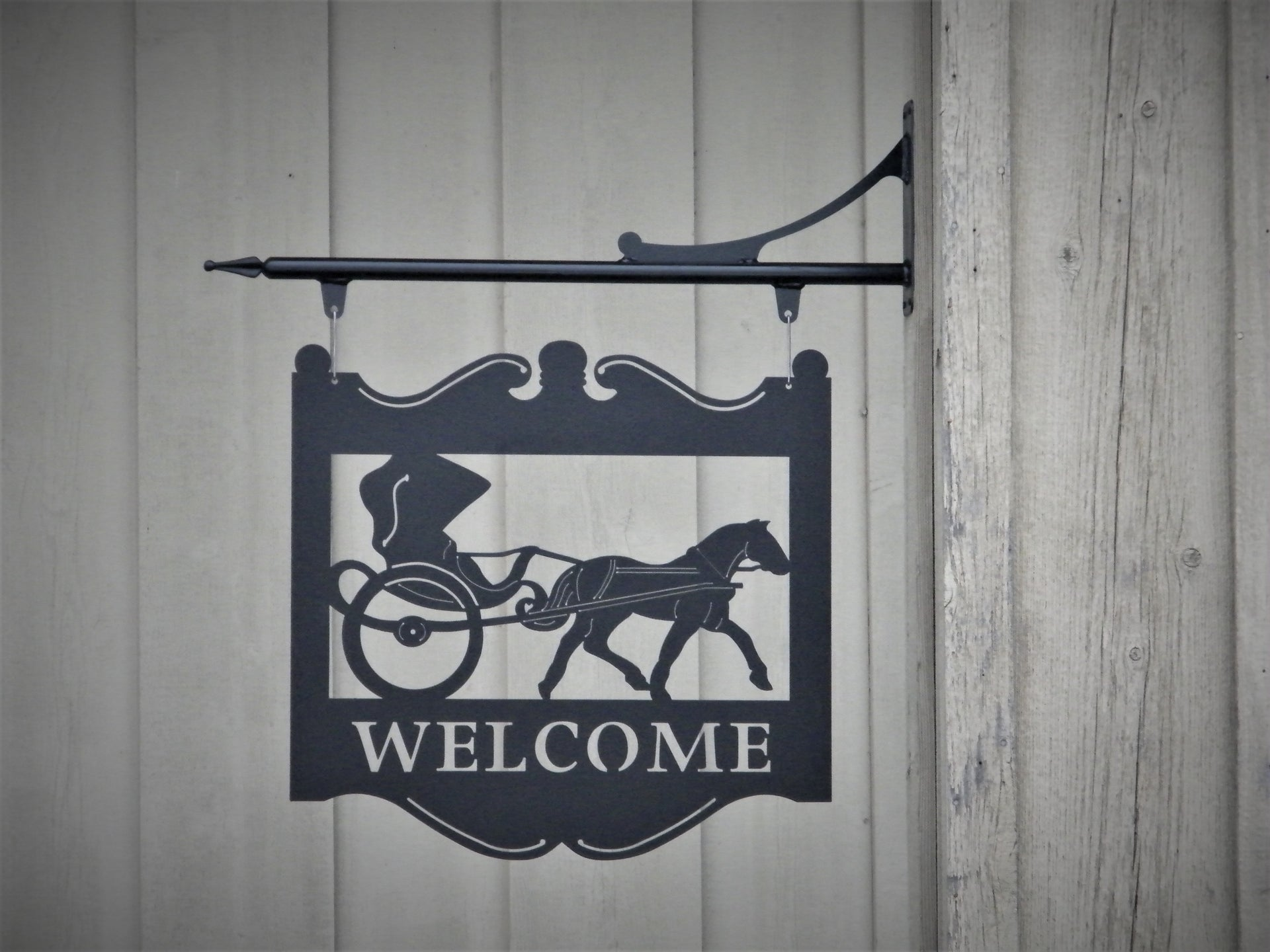 Welcome Sign Including Wall Mount Bracket