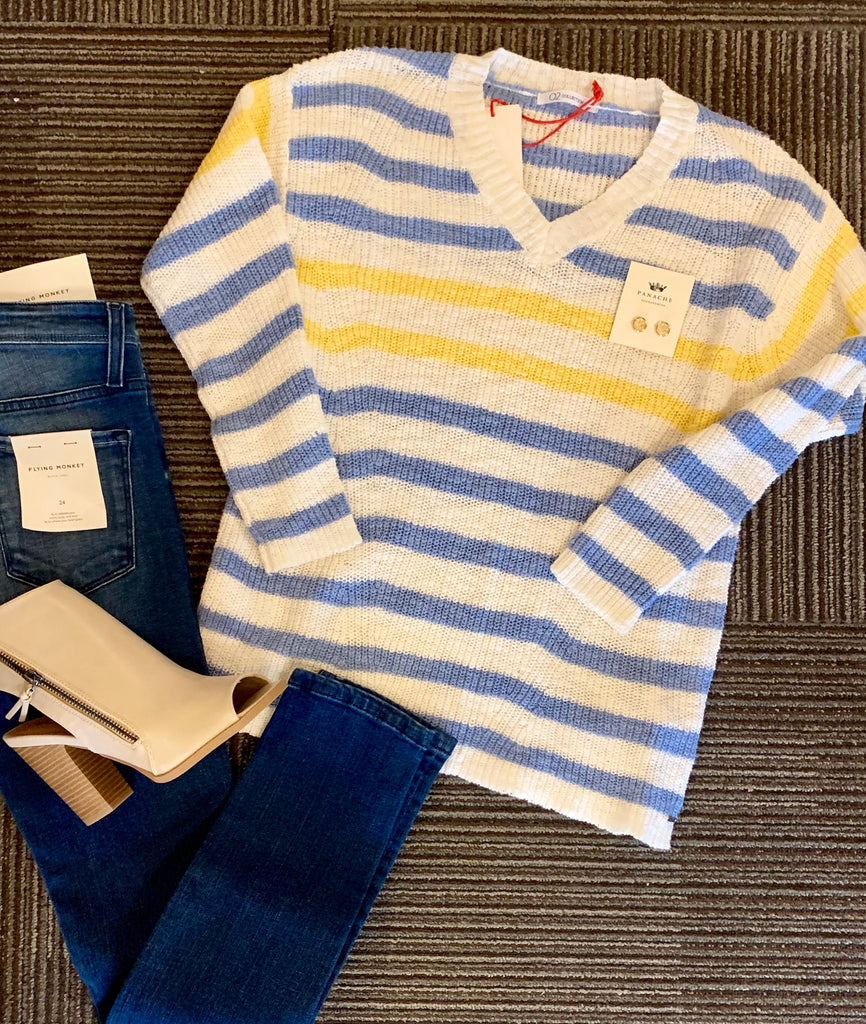 Q2 sweater light blue and yellow stripe