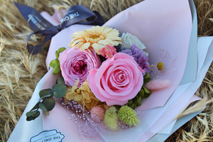 Preserved Flower Bouquet | Small Bouquet - The Only Roses