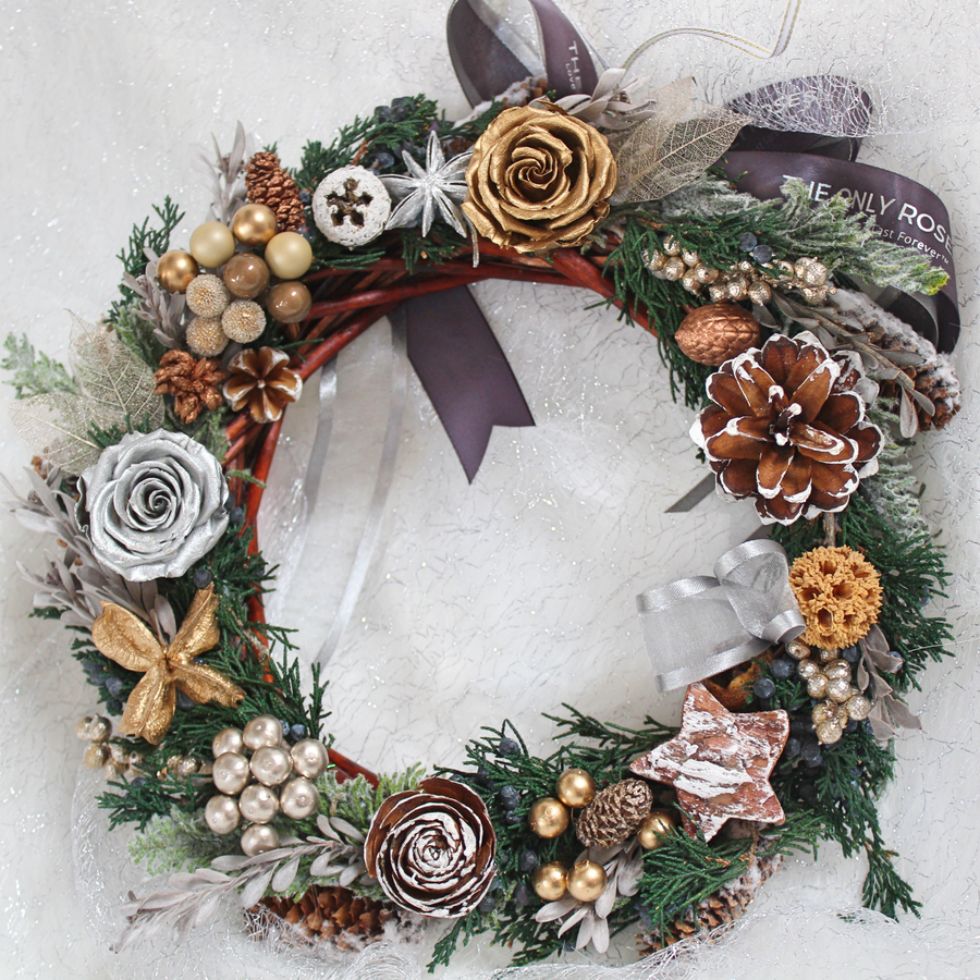 Everlasting Christmas Wreath with Preserved Roses