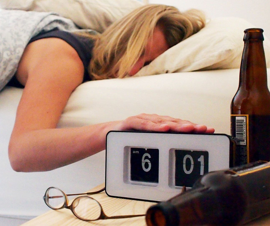 Alcohol Induced Sleep: Can You Really Sleep Better After A Drink?