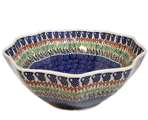 "11"" Salad Bowl in Traditional pattern"