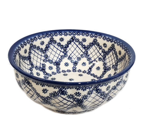 "9"" Salad Bowl in Unikat Garden Trellis pattern"