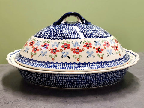 Large Covered Casserole in Country Garden pattern.
